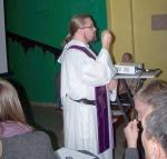 o. Norbert Oczkowski OP podczas rekolekcji w Noclegowni św. Brata Alberta dla Bezdomnych Mężczyzn we Wrocławiu
